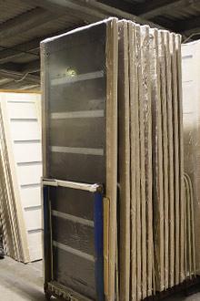 Фото межкомнатных дверей на складе