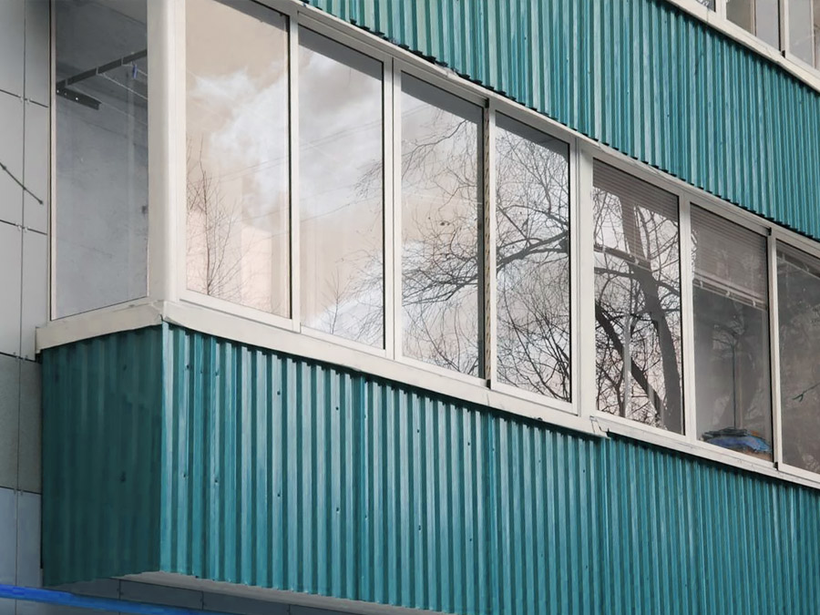 Внешняя отделка балкона и лоджии сайдингом. низкие цены и фо.