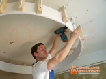 Крепление каркаса для первого уровня потолка