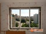 Этап установки окна в доме 137 серии