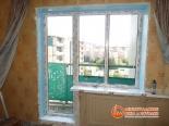 Заделка швов окна и балконной двери монтажной пеной