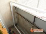 Отделка и крепление перил балкона
