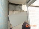 Отделка стен балкона
