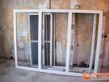 Подготовка трехстворчатого окна к установке