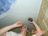 Выполнение прорези в потолке для светильника