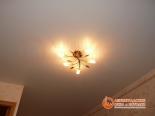 Люстра под натяжным потолком - фото 3