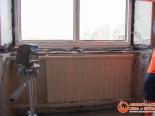 Процесс установки пластикового окна на кухне