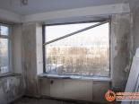 Проем готов к установке трехстворчатого окна